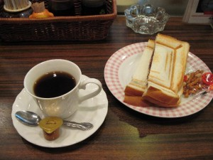 【名古屋市】 モーニング喫茶リヨン コーヒー&小倉プレスサンド