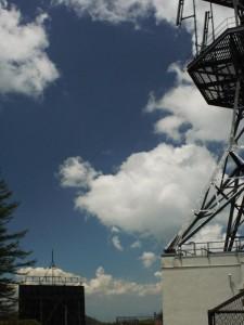 【長野県松本市】 王ヶ鼻の電波塔1 (G1 NFD24mm)