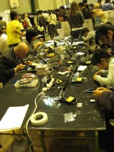 『Make: Tokyo Meeting』 ハンダ付け祭り
