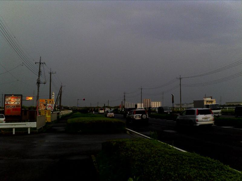「栃木県佐野市から小山市方面に立ち込める雨雲」