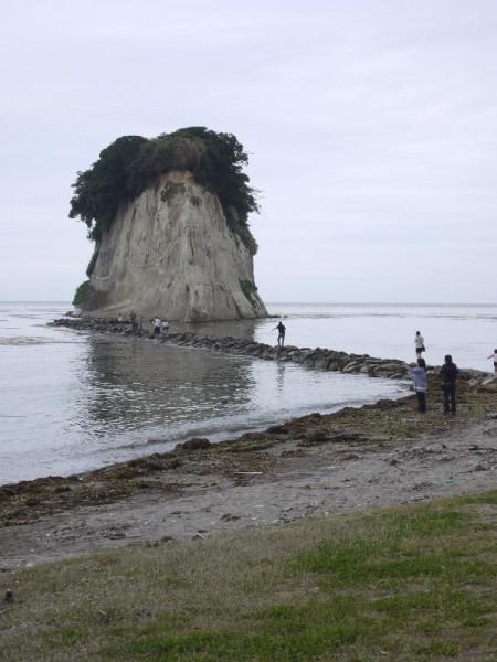 「見附島」