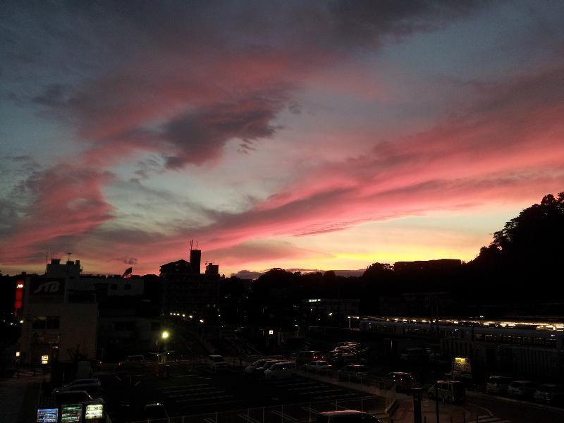 「いわき駅前広場の夕焼け」
