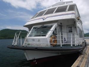 「桧原湖の遊覧船」