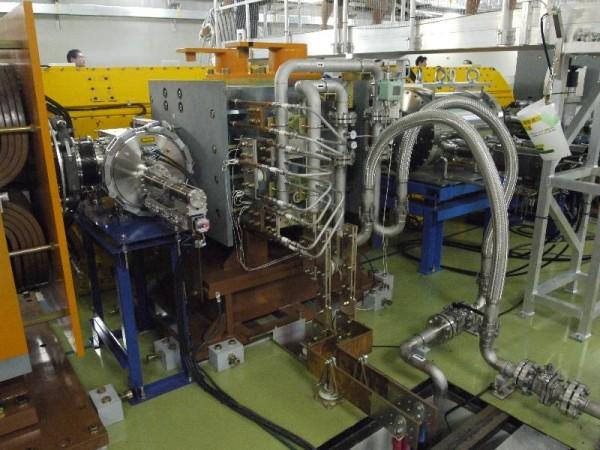 「50GeV シンクロトロン ニュートリノビーム生成部 超伝導電磁石」