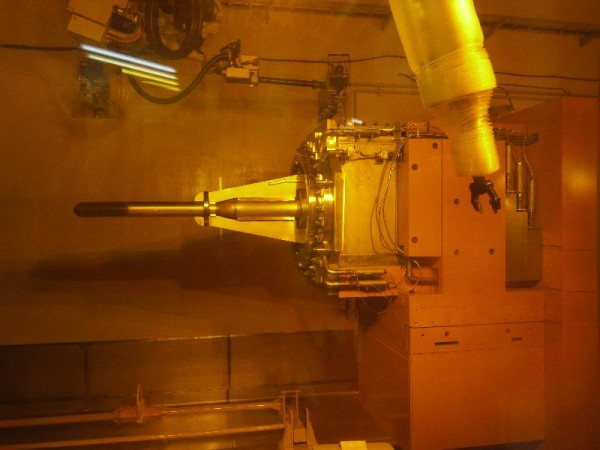 「核破砕中性子源水銀ターゲット容器(運用中)」