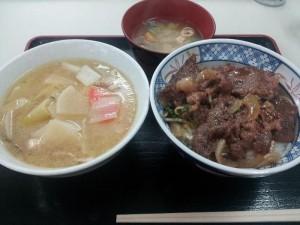 【岩手県前沢市】 前沢SA 「前沢牛焼肉丼&豚汁」