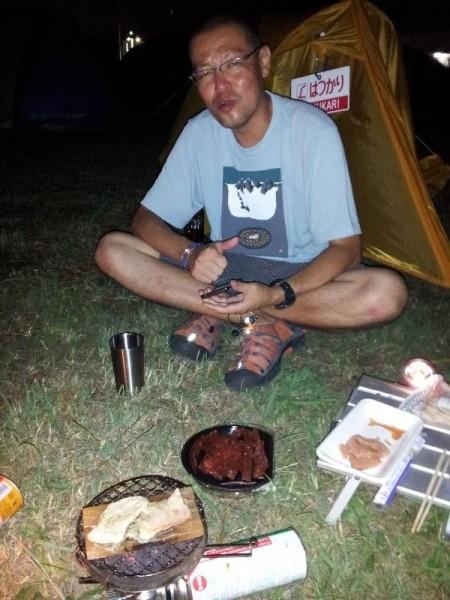 「キャンプ場での飲み」