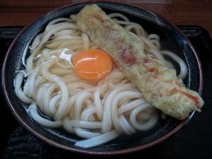 【香川県】 こだわり麺や 「かけうどん&生卵&ちくわ」