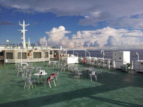 東京湾フェリー甲板