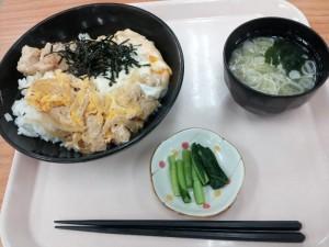 【東部湯の丸SA】 夏休み限定メニュー 「信州地鶏の親子丼」