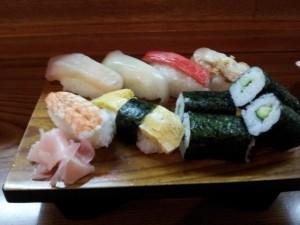 【茨城県日立市】 丸十寿司 「モーニング寿司(300円)」