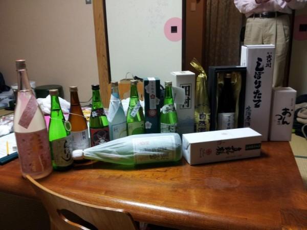 宴会に持ち込んだ大量の酒