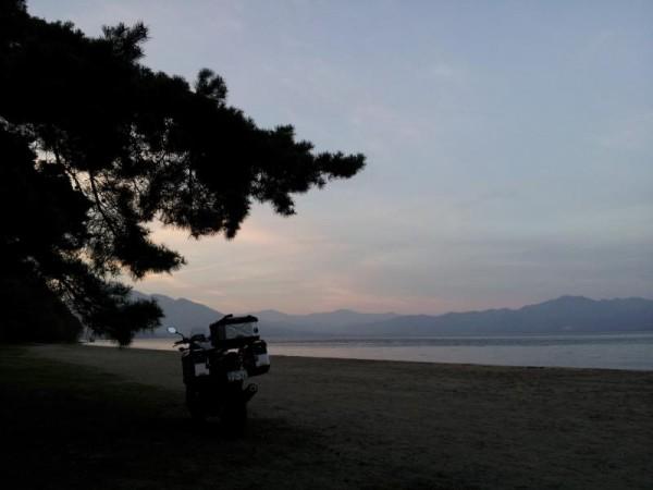 キャンプ場と間違えた猪苗代湖畔の海水?浴場