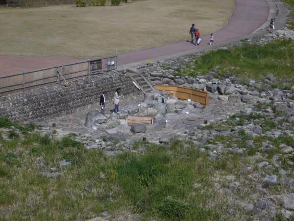 干上がった下呂温泉のシンボル噴泉池