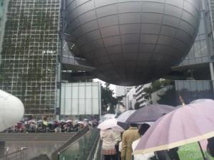 名古屋市科学館 プラネタリウム鑑賞券を買う行列