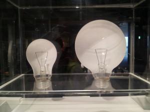 名古屋市科学館 電球のカットモデル
