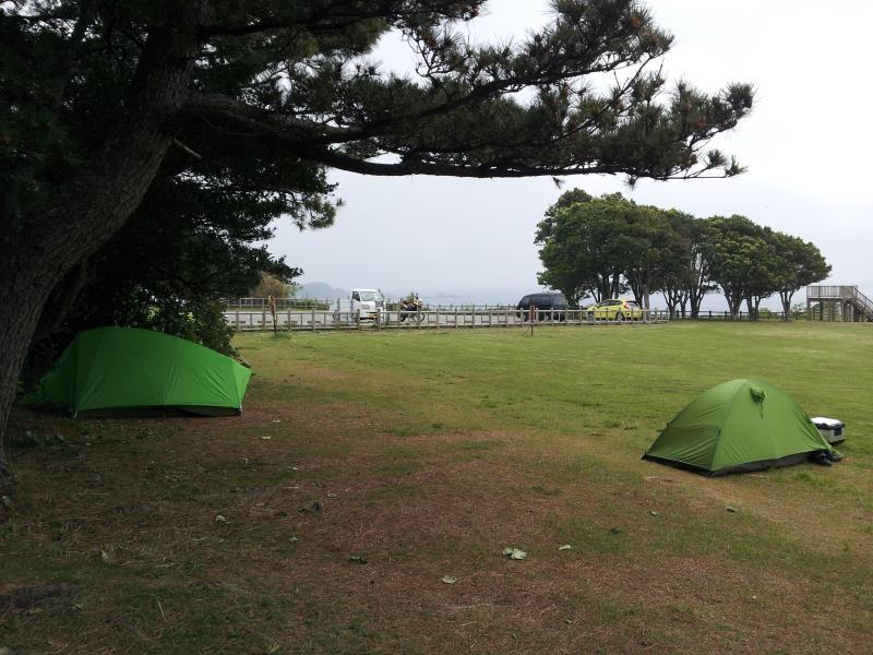 【和歌山県串本町】 潮岬望楼の芝生キャンプ場