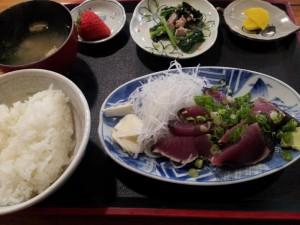 【高知県中土佐町】 大正町市場 浜ちゃん 「鰹たたき定食」
