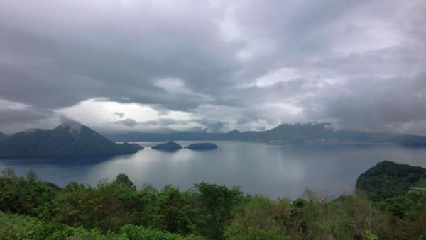 【北海道洞爺湖町】 サイロ展望台からの洞爺湖