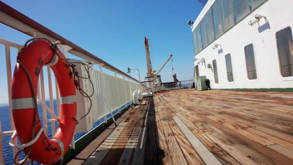 クルーズフェリー飛龍21木製甲板