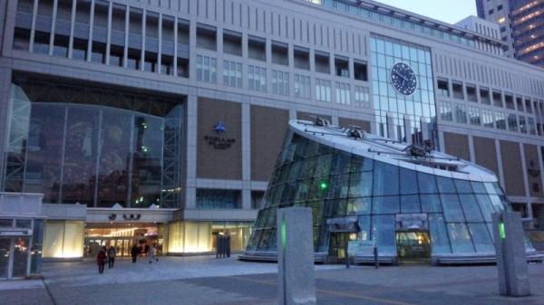 造りのデカい札幌駅