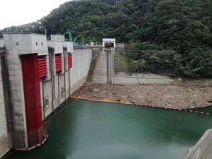 久慈市 滝ダム 流木