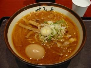 【ラゾーナ川崎】 すみれ 味噌ラーメン+たまご
