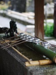六角堂の手水舎 (G1 NFD50mm)