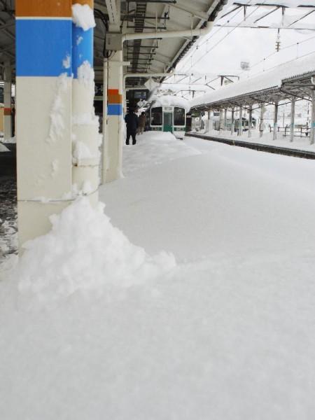 「会津若松駅 ホームの風景」 (G1 NFD24mm)