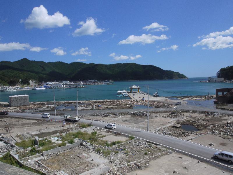 「女川町立病院から女川港」 (G1 M.ZUIKO DIGITAL 14-42mm F3.5-5.6)