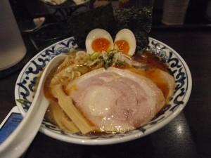 【千代田区】 東京駅 斑鳩(いかるが) 「東京駅辛旨らー麺」