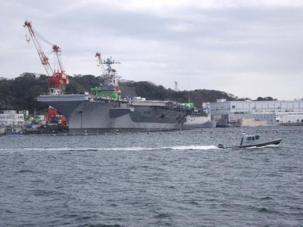「横須賀軍港めぐり 米海軍原子力空母ジョージ・ワシントン」 (G1 M.ZUIKO DIGITAL 14-42mm F3.5-5.6)
