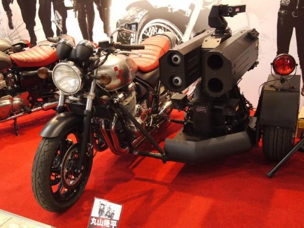「映画 WILD SEVEN ミサイルランチャー搭載バイク」