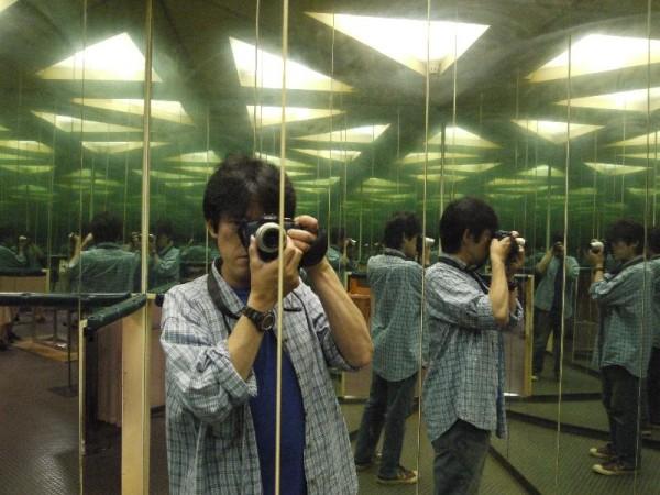 「鏡の部屋」
