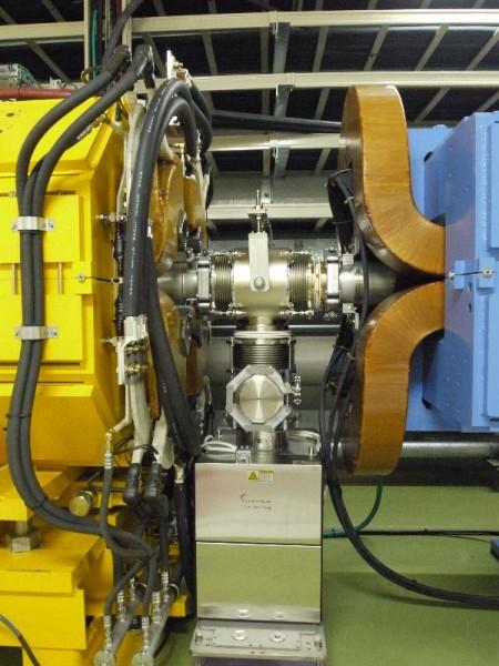 「50GeV シンクロトロン 電磁石接合部」