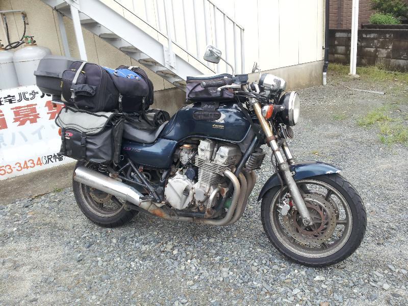 「2012年夏キャンプツーリング フル装備のボロバイク」