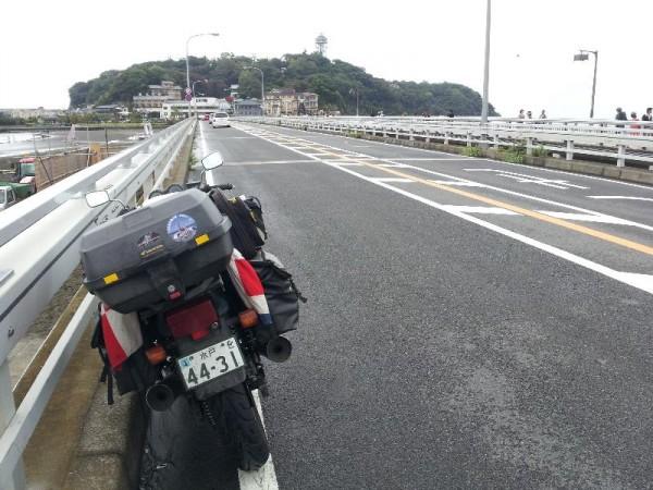 ガラガラの江ノ島行き道路