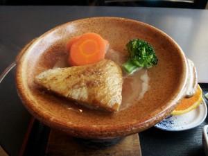 【神奈川県三浦市】 まぐろ料理立花 「カマトロ陶板焼き」
