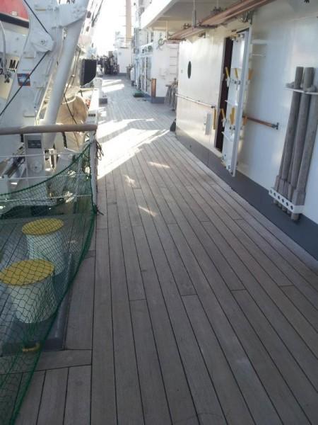 海王丸 木製甲板