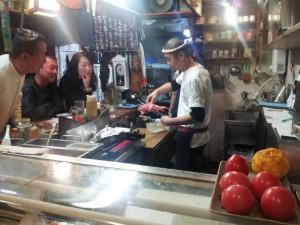 【石川県金沢市】 とと家 「高級魚キンキの焼き物注文に盛り上がる店内」