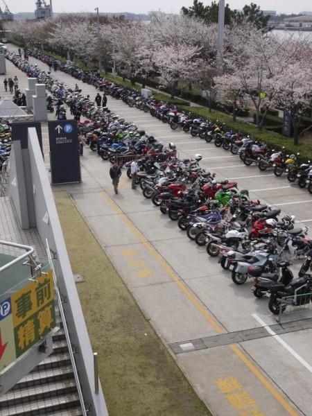 東京モーターサイクルショー駐輪場