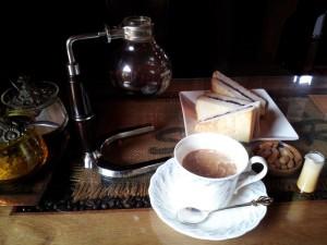 【岐阜県下呂市】 緑の館 「アメリカンコーヒー&小倉トースト」