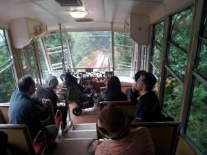 日本一長いケーブルカー「坂本ケーブル」(車内)