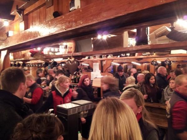 マンチェスター クリスマスマーケット 「酒場」
