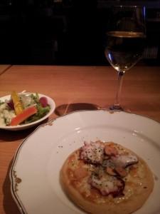 【茨城県日立市】 ぴたバル 「IL BANCALE」 久慈浜しらすとさくらダコのピザ&白ワイン