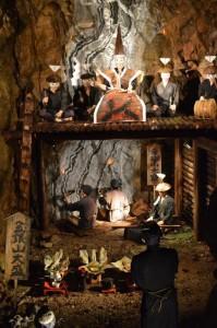 佐渡金山の展示 「坑道の中での金銀大盛祈願」