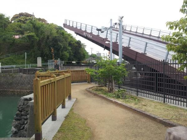 【高知県香南市】 手結港可動橋 半分程降りた所