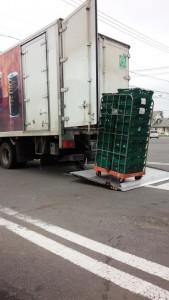 荷物満載でセイコーマートトラック