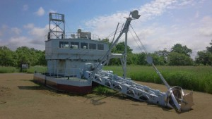 サロベツ湿原の泥炭を採掘していた浚渫(しゅんせつ)船