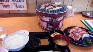 【北海道上富良野町】 まるます 「豚さがり・ホルモン定食(豚さがりを+100グラム)」